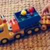 きょうは何を作ろうかな?「ブロック遊び」が子供に与える効果を知ってますか?